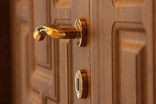 Khóa tay gạt cửa gỗ