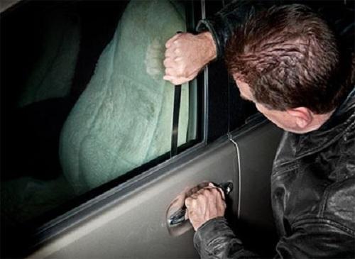 mở ổ khóa ô tô