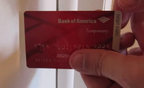 mở khóa bằng thẻ ATM