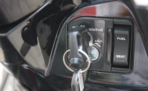 ổ khóa từ xe máy
