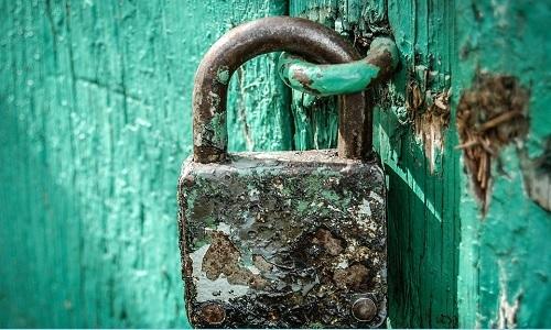 khóa bị han