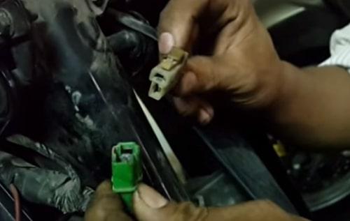 cách mở khóa xe máy khi bị mất chìa khóa