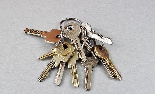 mất chìa khóa tay gạt