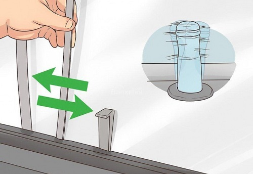 cách mở cốp sau xe ô tô