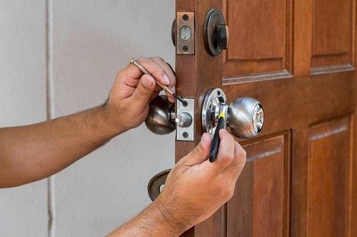 ổ khóa cửa phòng tay nắm tròn