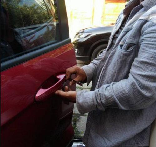 sửa khóa ô tô