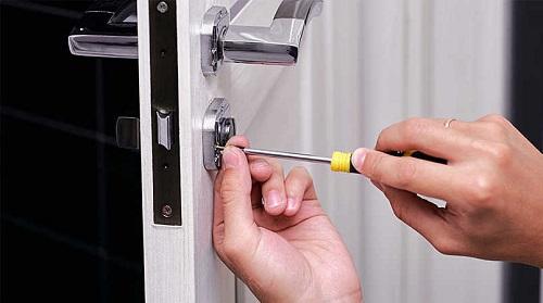 cách lắp ổ khóa cửa nhanh chóng nhất
