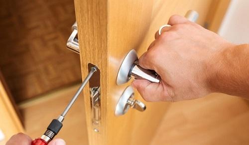 cáchlắp khóa cửa tay gạt
