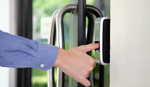 Cách đổi mật khẩu khóa vân tay
