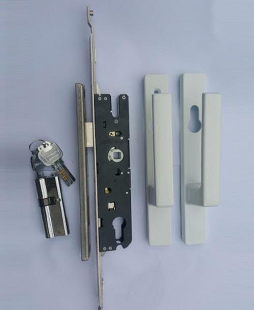 Khóa cửa nhựa lõi thép đa điểm