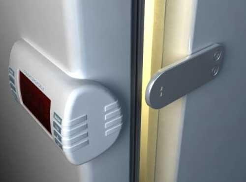khóa tủ lạnh có chìa