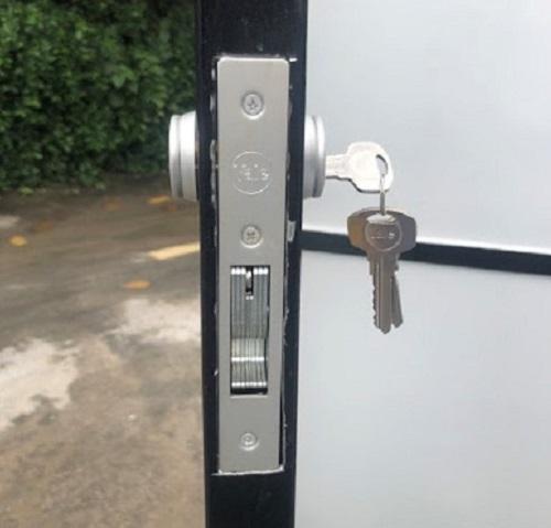 khóa nhôm