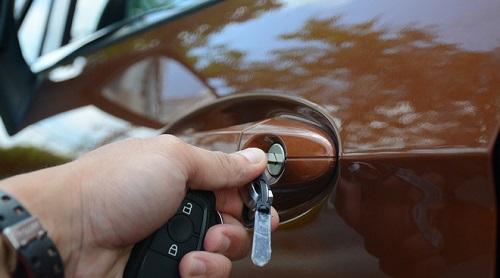 khóa ô tô