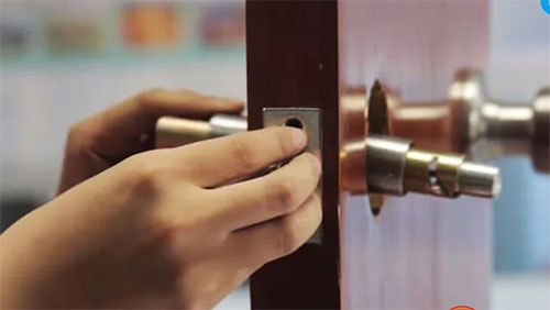 Khi nào cần thay ổ khóa cửa tay gạt