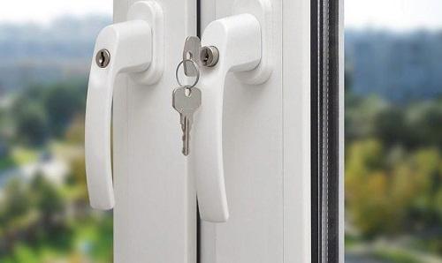 Chức năng cửa khóa tay gạt cửa nhôm kính